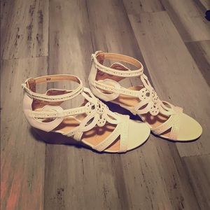 "Great 1"" sandal wedge"